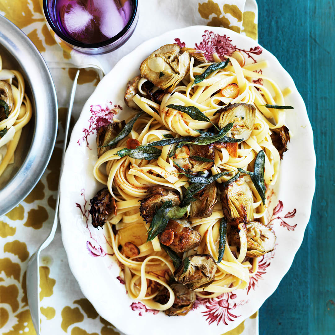CH4622_Easter Recipes_Fettucine with artichokes and garlic
